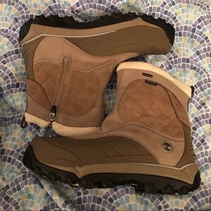 Timberland Size 11 Gray and Beige Rime Ridge Boots